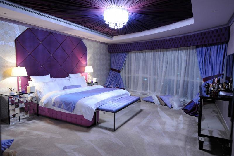 Interior design company dubai classic home decor for Al amwaj furniture decoration factory